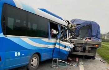 Tài xế xe khách gây tai nạn bị tạm giữ