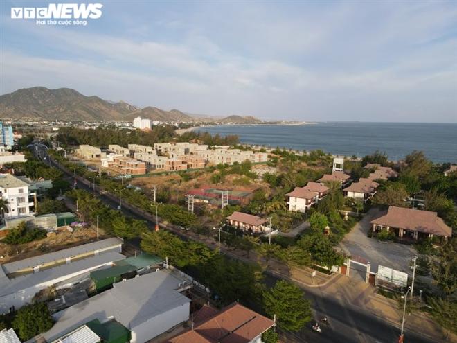 Cả rừng resort chắn biển, dân mất bãi tắm: Chủ tịch tỉnh Ninh Thuận nói gì? - 2