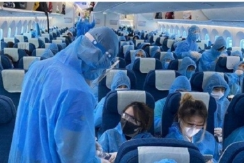 Làm lây lan dịch COVID-19, nam tiếp viên Vietnam Airlines bị truy tố