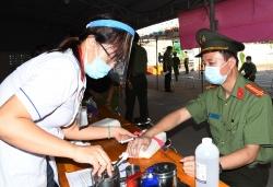 Giám đốc Công an Trà Vinh và hơn 1.000 cán bộ chiến sĩ hiến máu tình nguyện