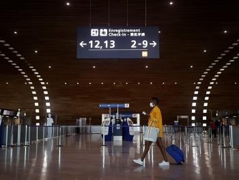 Các hãng bay và EU đùn đẩy trách nhiệm chi phí hộ chiếu vaccine