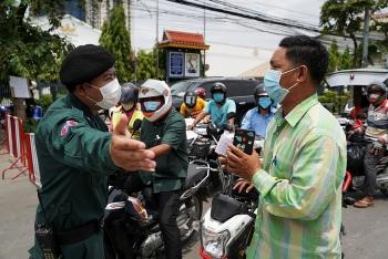 """Covid-19 Campuchia gây """"ảnh hưởng lớn"""" tới người gốc Việt"""