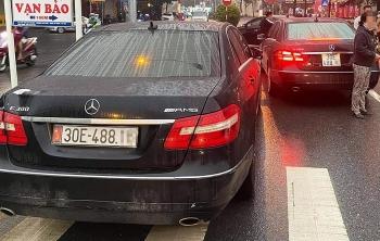 Lộ đường dây làm giả giấy tờ từ hai xe Mercedes trùng biển