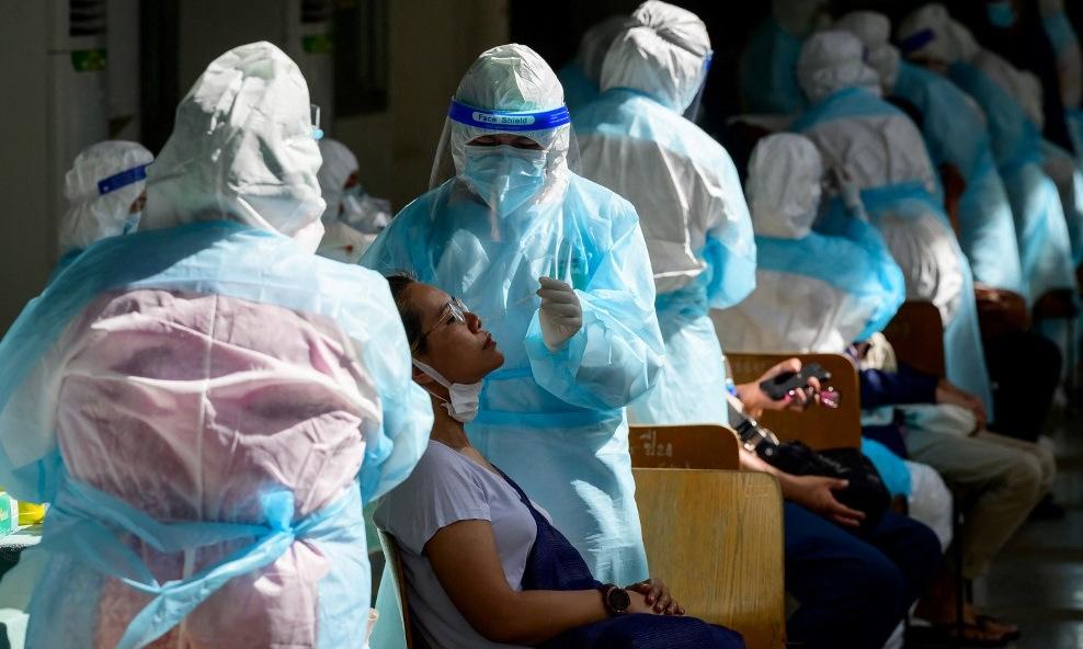 Ca tử vong Covid-19 tăng kỷ lục, Thái Lan kéo dài hạn cách ly