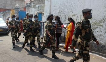 Vỡ trận COVID-19, Ấn Độ điều quân đội hỗ trợ các bệnh viện
