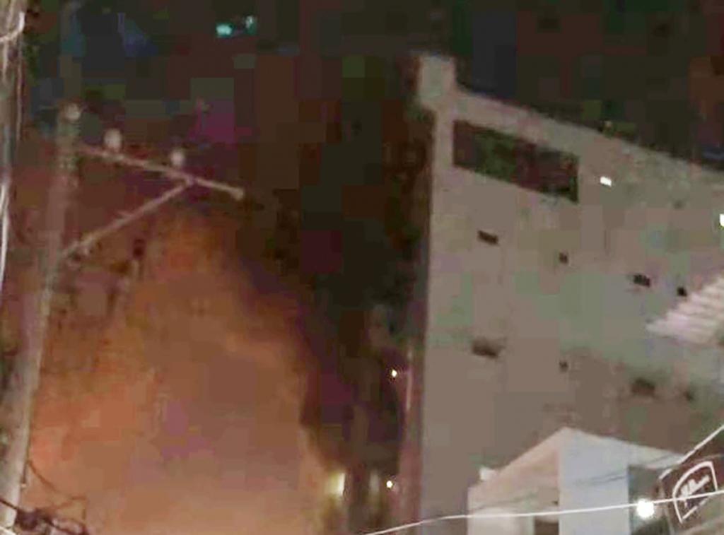 4 người được cứu khỏi chung cư mini cháy