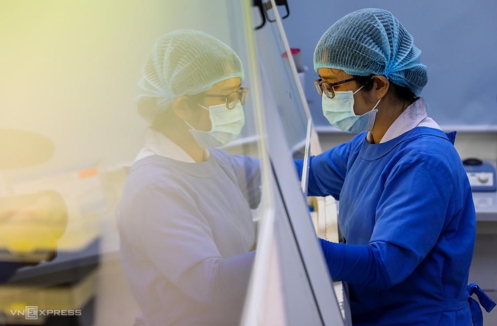 99 người TP HCM liên quan hai bệnh nhân Covid-19