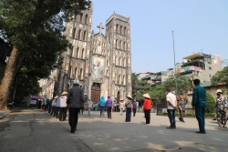 gieng co giua long ha noi