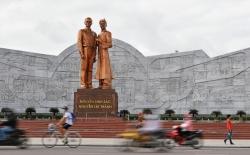 Huyền thoại Hồ Chí Minh