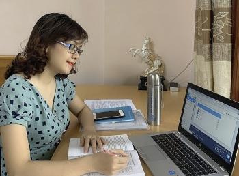 Hàng loạt đại học tiếp tục cho sinh viên học online