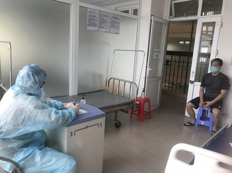 """Điều tra lời khai nhập cảnh trốn trong container của """"bệnh nhân 3051"""""""