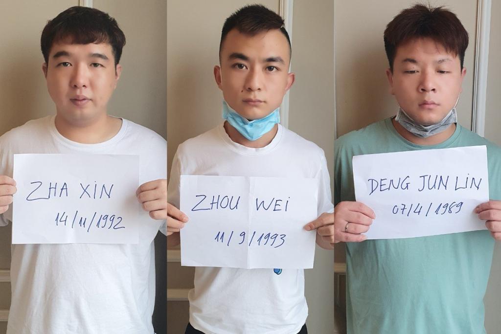 Ba người Trung Quốc trốn trong chung cư ở Sài Gòn