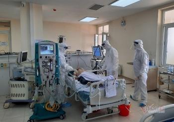 104 bệnh nhân COVID-19 phải thở oxy, 28 người nguy kịch