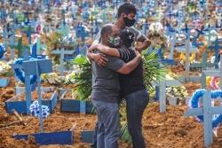 Cái giá phải trả cho xu hướng miễn dịch cộng đồng ở Brazil