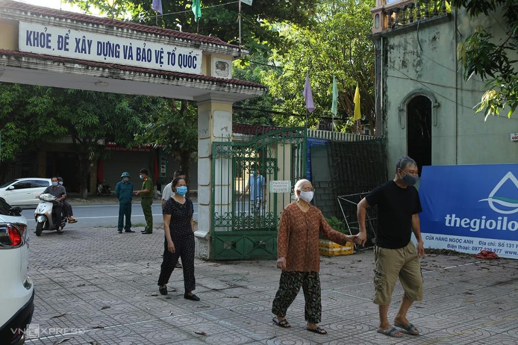 TP Vinh phong tỏa 5.000 dân vì có ca nghi nhiễm