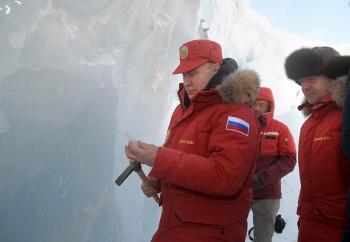 """Nga - Trung """"đồng sàng dị mộng"""" ở Bắc Cực"""