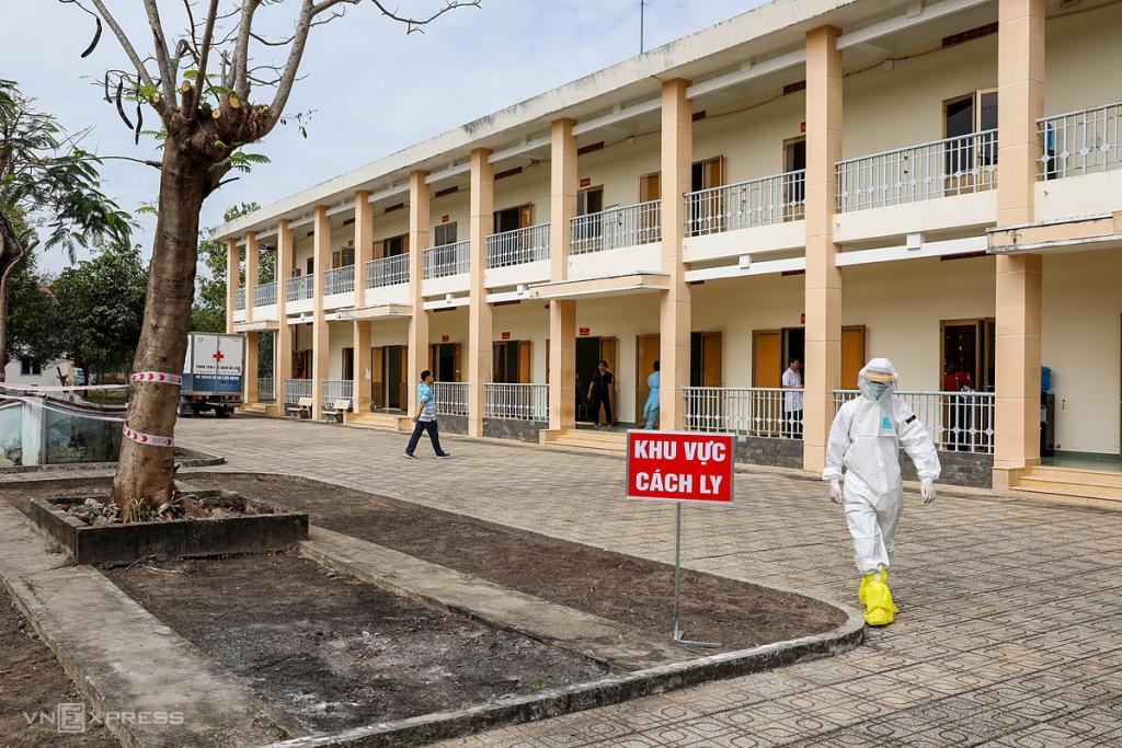 Hai ký túc xá TP HCM chuyển thành bệnh viện dã chiến 5.000 giường