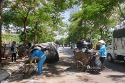 Hà Nội: Huy động gấp 4 lần số chuyến xe xử lý rác tồn đọng trong nội đô
