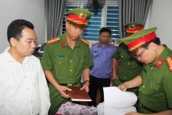 Bắt giam cán bộ Phòng Chính sách dân tộc tỉnh Nghệ An