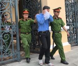 Vận chuyển giùm gói ma túy trong phong bì, nhận án tù chung thân