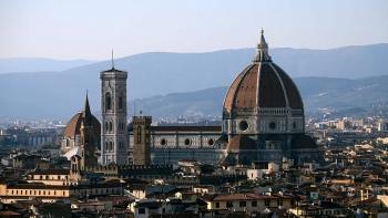 Florence cấm du khách đi dạo ban đêm