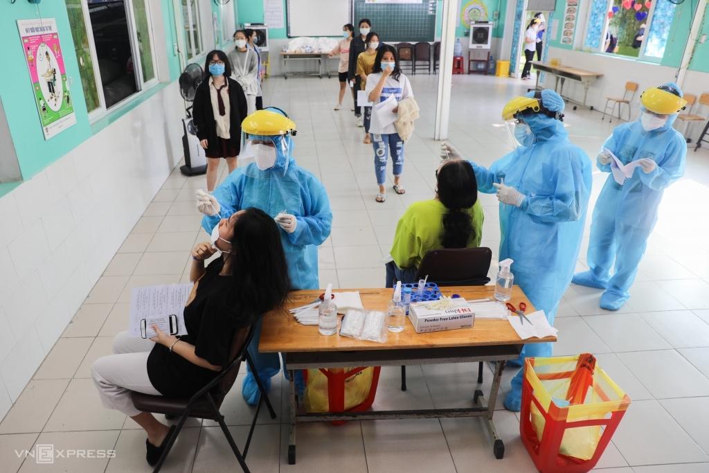 Hơn 95% thí sinh TP HCM xét nghiệm trước kỳ thi đợt 1