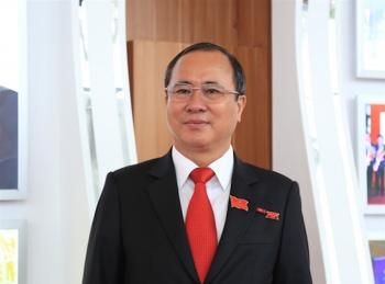 Cách chức tất cả các chức vụ Đảng của Bí thư Tỉnh ủy Bình Dương Trần Văn Nam
