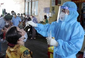 Thủ tướng: TP.HCM cần tăng cường biện pháp mạnh, sớm cắt đứt chuỗi lây nhiễm