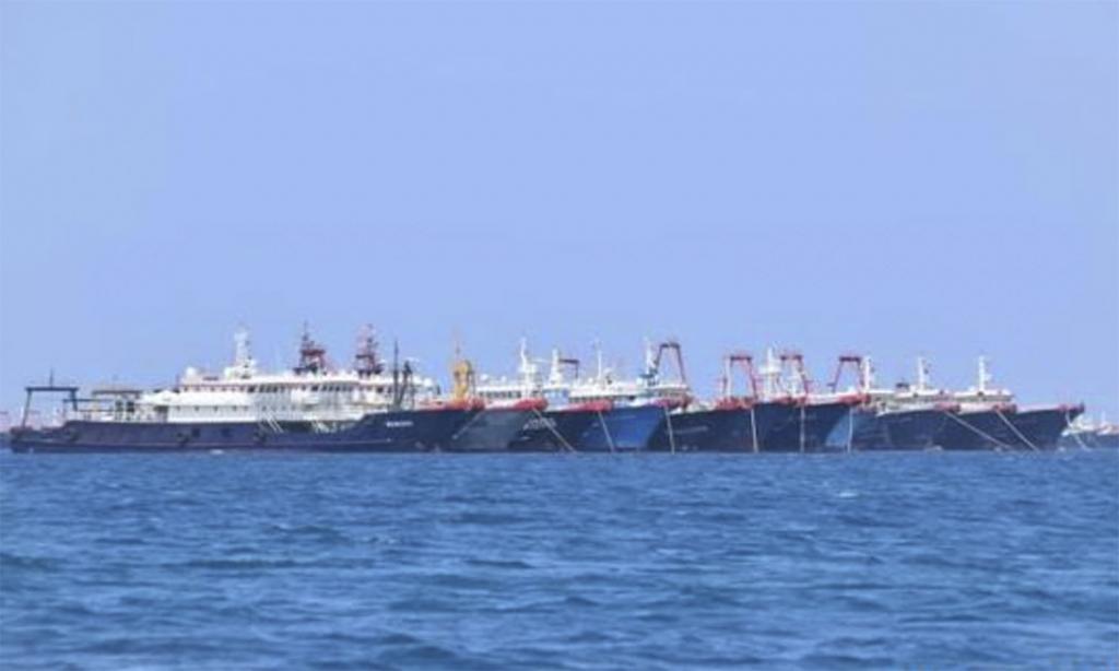 Tàu cá Trung Quốc nghi xả thải làm chết san hô Trường Sa