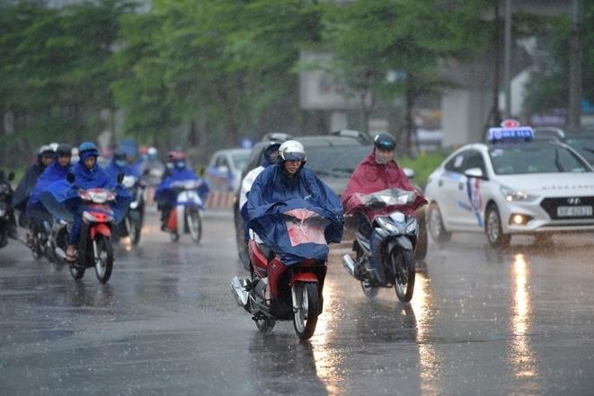 Dự báo thời tiết ngày 14/7: Bắc Bộ mưa rào và dông rải rác - 1