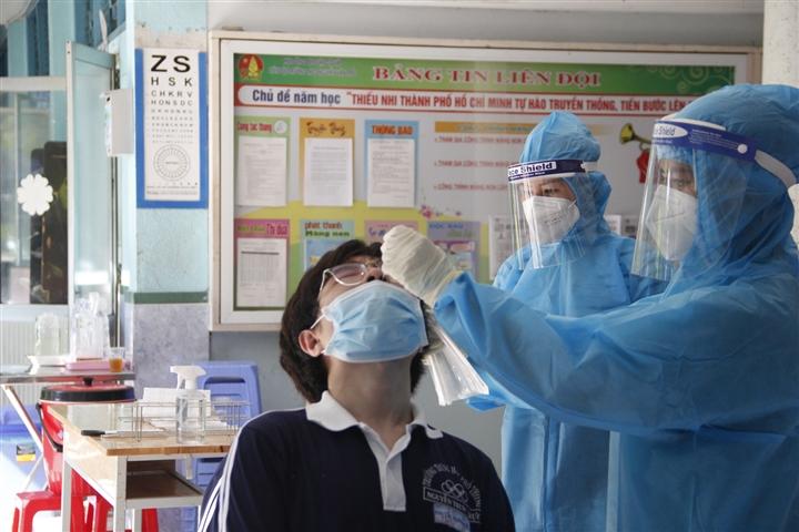 20/22 địa phương ở TP.HCM nguy cơ lây nhiễm COVID-19 rất cao - 1