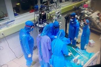 Thêm 69 ca tử vong do COVID-19 ở TP.HCM, Bộ Y tế chỉ đạo khẩn