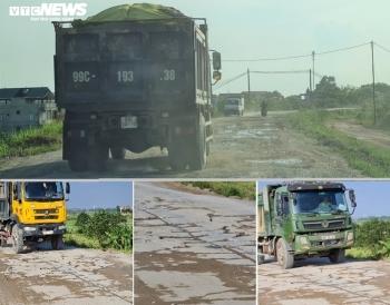 Lợi dụng dịch COVID-19, binh đoàn xe quá tải cày nát đê sông Đuống mùa mưa bão