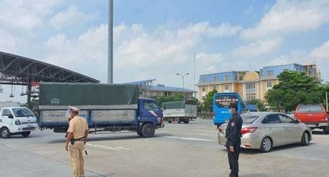 """Hà Nội mới cấp được 2 nghìn """"xe luồng xanh"""" vì hệ thống... treo"""