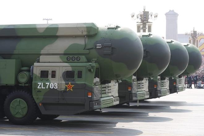 """Mỹ """"giật mình"""" trước tin Trung Quốc xây hơn 100 hầm chứa tên lửa"""