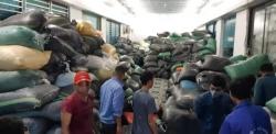 """Hàng trăm nghìn găng tay đã qua sử dụng được tái chế: Hé lộ tình tiết """"sốc"""""""