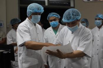 Chuyên gia lý giải vì sao liên tiếp có bệnh nhân Covid-19 tử vong, nhiều ca nguy kịch?