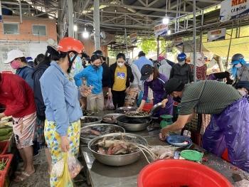 Từ 12.8, mỗi hộ gia đình Đà Nẵng chỉ được đi chợ 3 ngày/lần