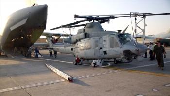 Máy bay của Không quân Mỹ trúng đạn, phi hành đoàn bị thương