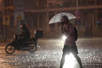 Mưa lớn ròng rã 21 tiếng, Bắc Kinh hứng hơn 1,1 tỉ mét khối nước