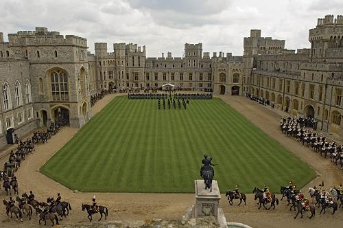 10 tòa lâu đài cổ tráng lệ nhất thế giới, tới một lần là cả đời 'đắm say' - Ảnh 8