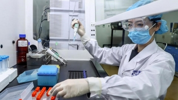 Giá vaccine COVID-19 của Trung Quốc đắt nhất thế giới