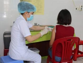 """Các cơ sở tiêm vaccine không được nhận tiền """"bồi dưỡng"""" tự nguyện"""