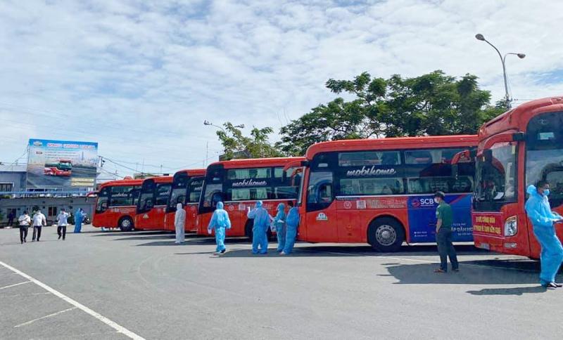 Hoán cải 15 xe khách thành xe vận chuyển người bệnh COVID-19 -0
