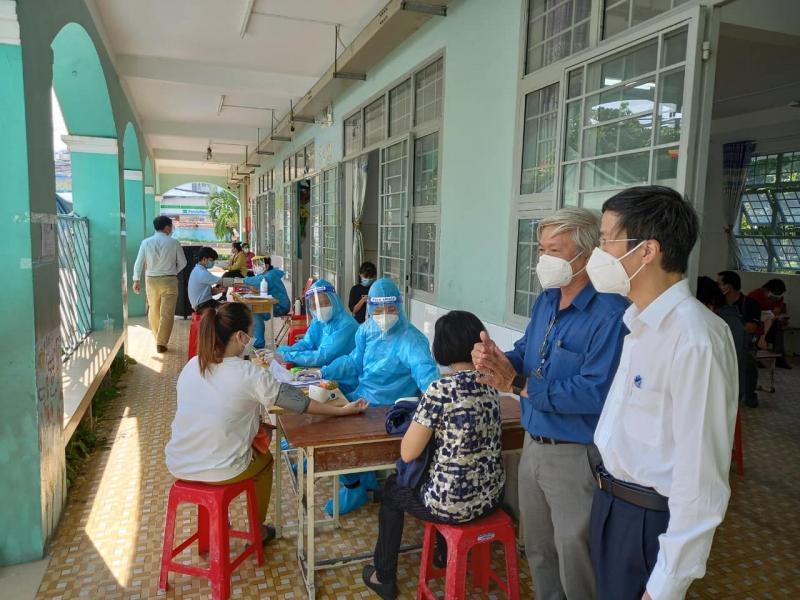 Sáng 4/8, thêm 4.271 ca mắc COVID-19 mới, TP Hồ Chí Minh được phân bổ hơn 4 triệu liều vaccine