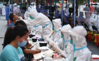 Số ca mắc COVID-19 ở Trung Quốc cao trong năm
