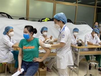 Hơn 4.600 ca mắc COVID-19 sáng 12/8, hơn 12 triệu người đã được tiêm vaccine