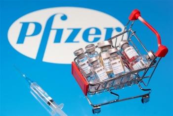 Pfizer tăng giá bán vaccine COVID-19 ở Anh