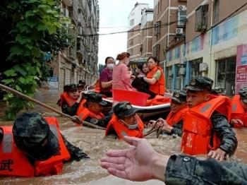 21 người chết vì lũ lụt, 5 thành phố Trung Quốc báo động đỏ