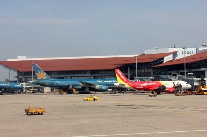 Thu phí xe vào sân bay 10 phút: Bộ GTVT đề nghị Bộ Tài chính cho ý kiến